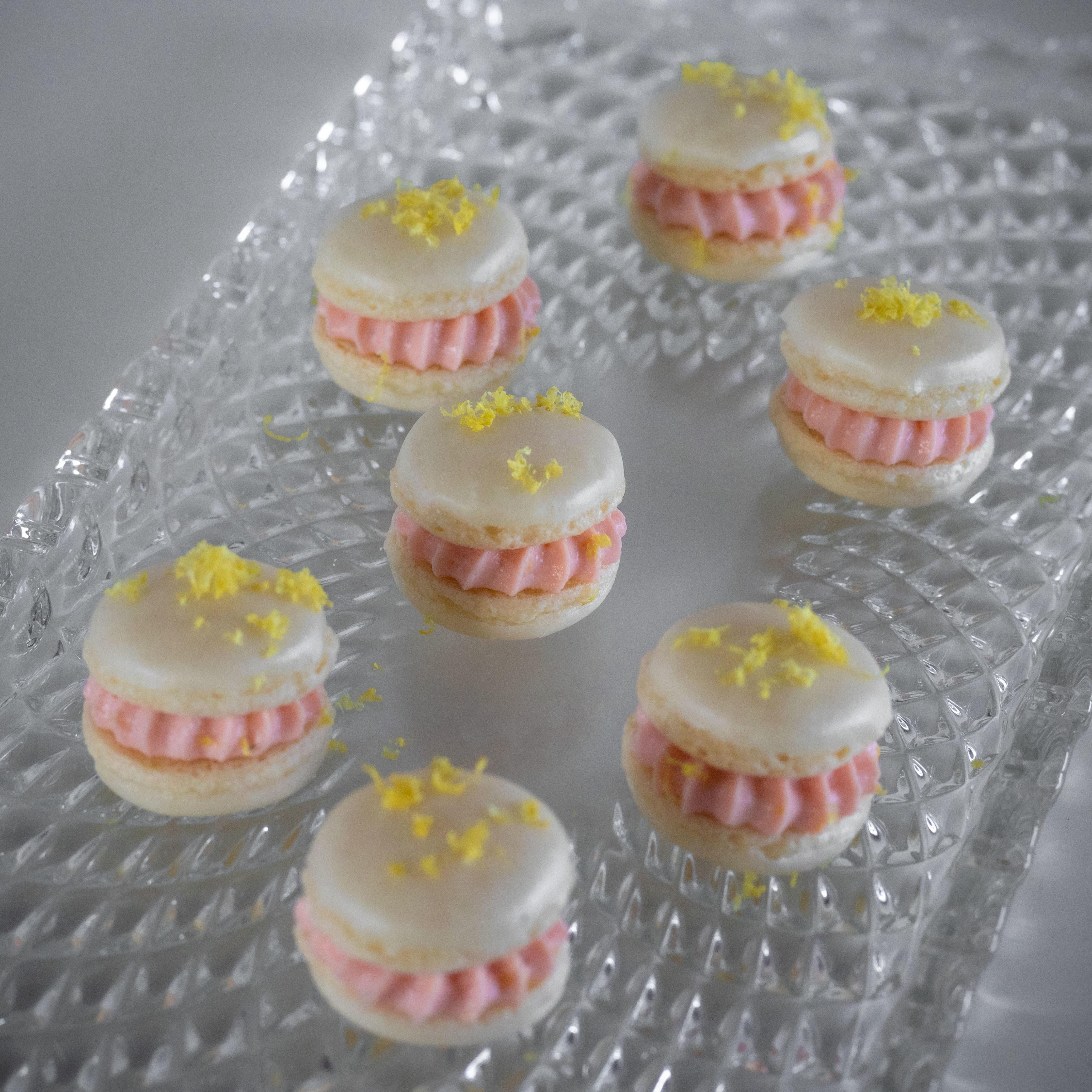 Macarons mit Lachscreme, Vanille & Zitronen 2