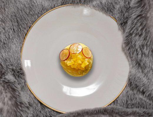 Blauschimmel Biscuits mit Quittenmus, Quitten-Brunoise und Traube