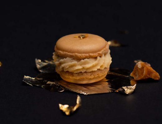Haselnuss Macaron mit Vanille-Krokant-Ganache und Quitte
