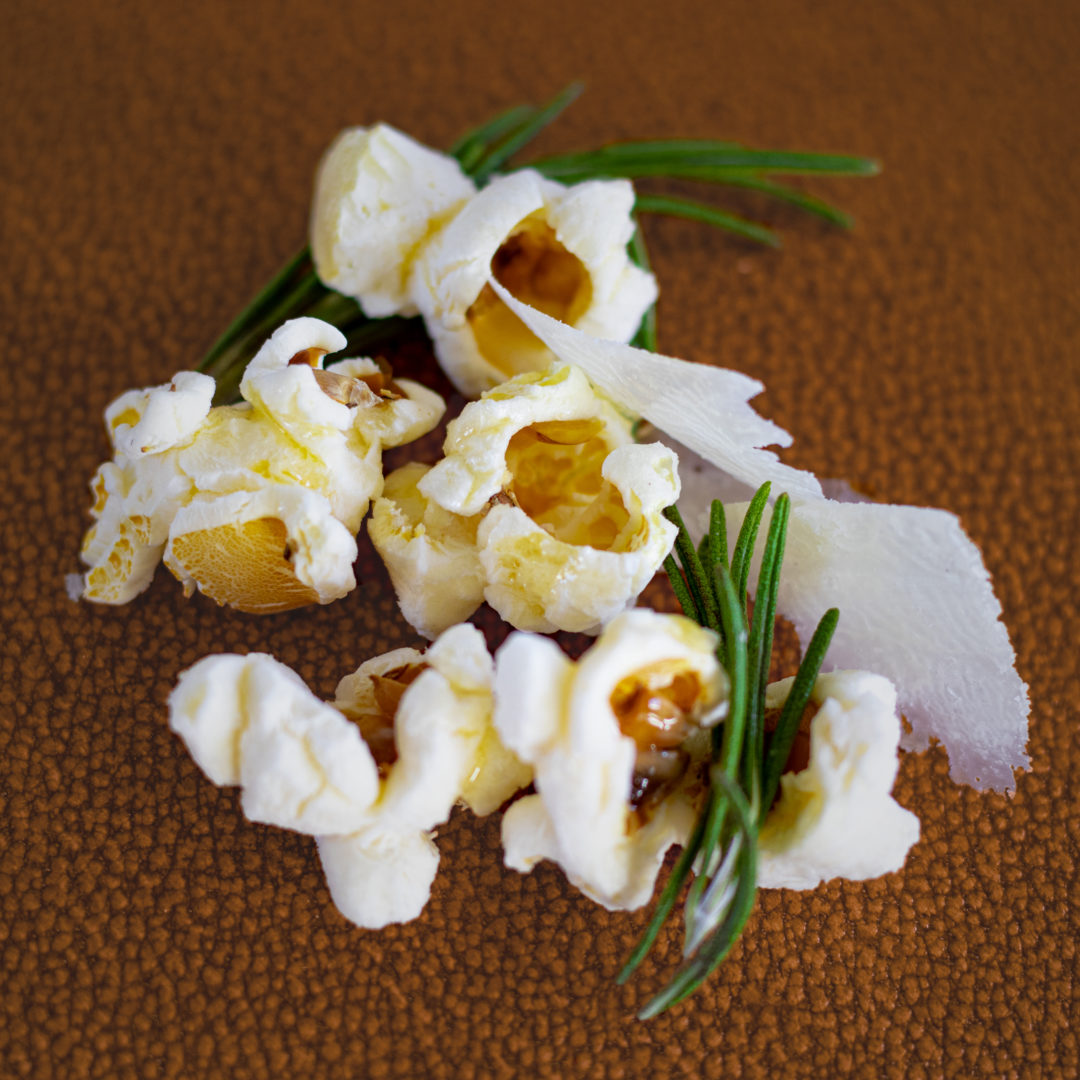 Popcorn mit Parmesan & Rosmarin
